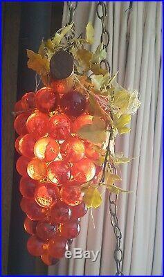 Resin grape hanging lamp, 1960s vintage, works