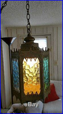 VTG BRASS TURKISH STYLE 6 SIDED HANGING SWAG LAMP WithTEXTURED COLORED GLAS PANELS