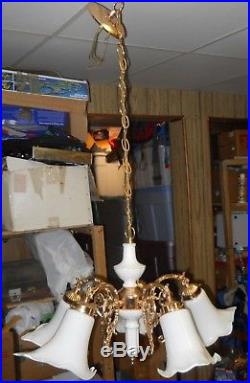 VTG GOLD HANGING LIGHT LAMP With WHITE TULIP GLASS SHADES CEILING FIXTURE & CHAIN