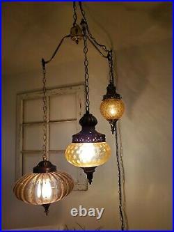 Vintage Amber 3 Globe Swag Light Hanging Plug In Lamp Regency Glass Mid Century