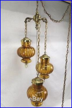 Vintage Hollywood Regency 3 Tier Amber Glass Swag Hanging Chain Lamp Brass