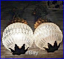 Vintage Mid Century Hollywood Regency Pair Of Glass Cherub Swag Hang Lamp Lights