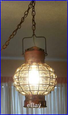 Vtg MID Century Regency Amber & Brass Metal Glass Globe Swag Hanging Light Lamp