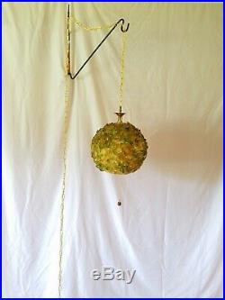 Vtg Retro Atomic Chunky Green Yellow Lucite Hanging Ball Swag Light Fixture/Lamp